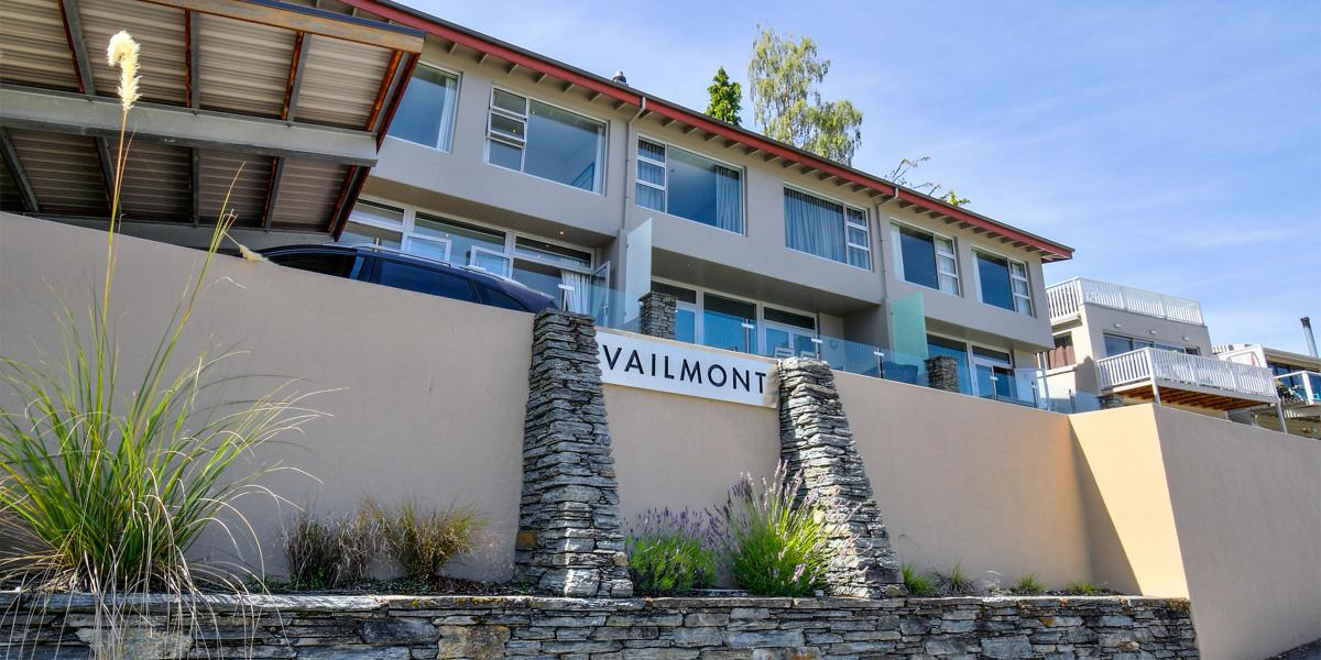 Aura Queenstown Holiday Homes Diamond Villa 21a Hallenstein Street 01