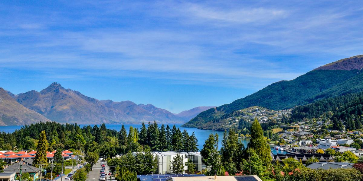 Aura Queenstown Holiday Homes Diamond Villa 21a Hallenstein Street 05