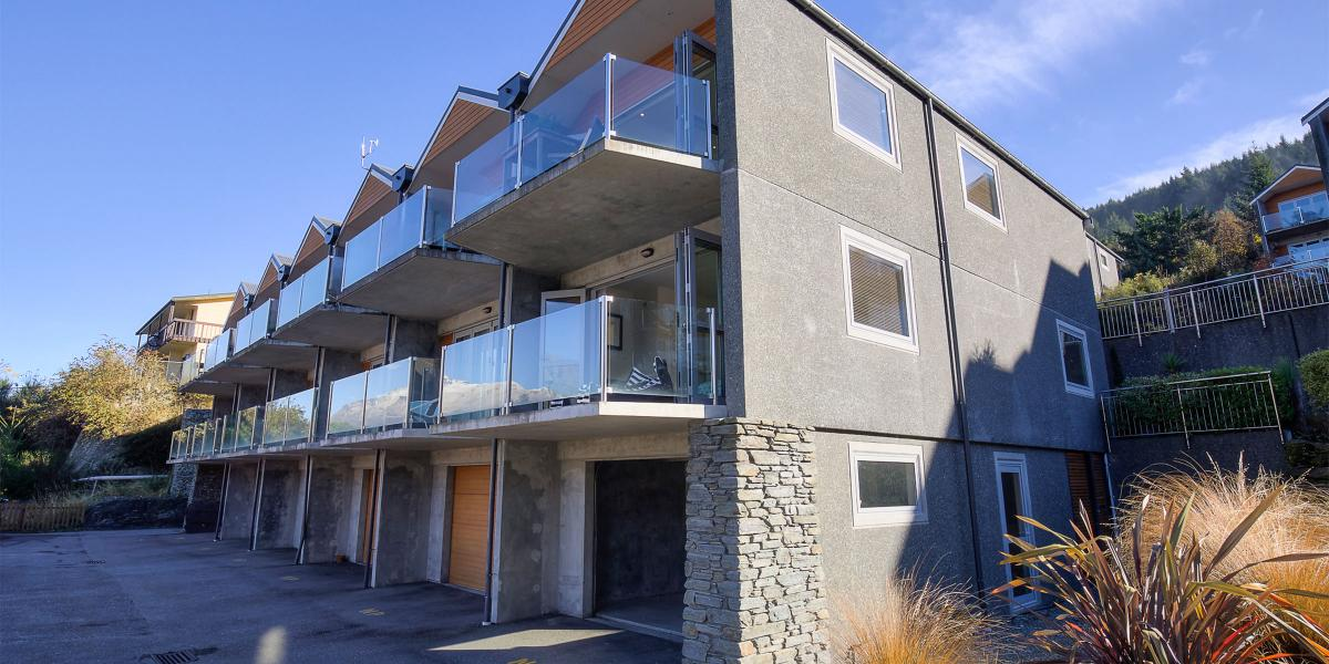 Aura Queenstown Holiday Homes Remarks View Alpine Escape 26 Alpine Village 643 Frankton Road 2